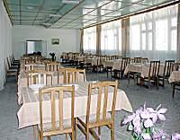 обеденный зал в одной из столовых санатория ЕДКС МО, Евпатория туркомпания Голубая лагуна